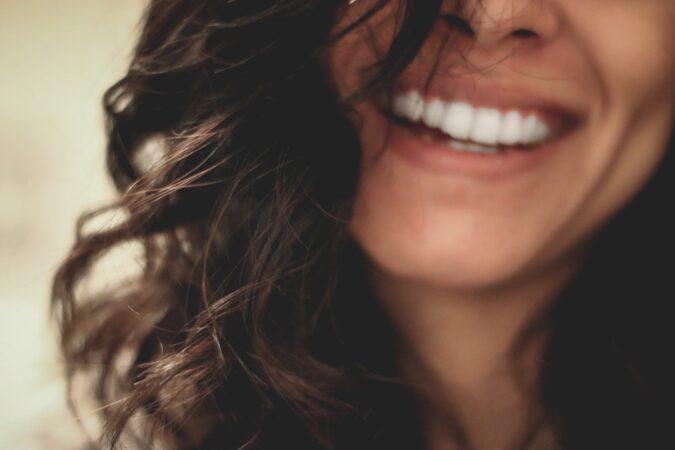 Stosowanie implantów ortodontycznych. Wszystko, co musisz wiedzieć o mikroimplantach!